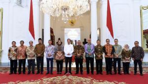 Presiden Jokowi Terima Pimpinan KPU di Istana Merdeka