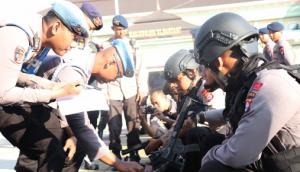 Kabid Propam Pastikan, Personil Tidak Bawa SENPI Saat Pengamanan Aksi Unjuk Rasa Buruh