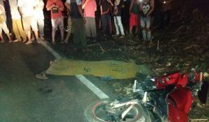 Laka Bus vs Motor di Jalan Lintas Kampung Banjar Masin , Satu Orang Tewas