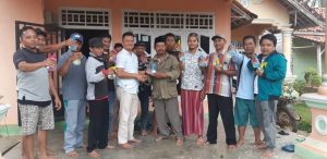 Pencegahan virus Corona ,Pemdes Gedung Srimulyo Bagikan Hand Sanitizer Gratis