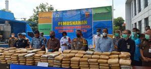 Kapolda Banten hadiri dan Ikut dalam Pemusnahan Ganja Seberat 301 Kg di Kantor BNNP