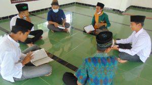 """Khotmil Qur'an Pertama Di Lampung Timur, """"Memupuk Iman dan Taqwa serta perkuat Tali Silaturahmi""""."""