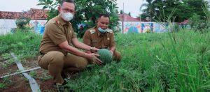 Fahrizal Bersama Nanang – Pandu di Kebun Edukasi Lamsel