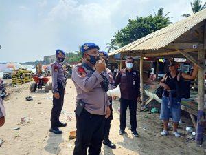 Polda Banten dan TNI, Himbau Wisatawan Di Pantai Untuk Segera Pulang