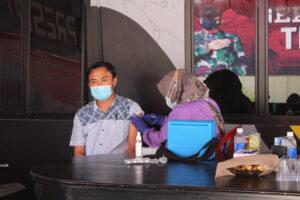 Polres Tubaba Laksanakan Vaksinasi Dosis 1 ke Mahasiswa dan Masyarakat