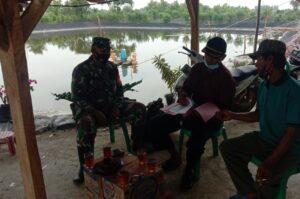 Anggota Koramil 426-03 Rawajitu Tanpa Henti Mengajak Warga Disiplin Menerapkan Prokes Covid-19