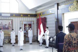 Bupati Adipati Kukuhkan Anggota Paskibraka Way Kanan Tahun 2021