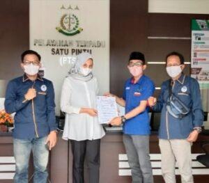 Lembaga KAMPUD Laporkan Dugaan Korupsi Dana Bansos Covid-19 di Dinsos Kota Metro Ke Kejari Setempat