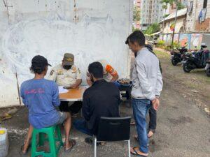 Petugas Gabungan Jakarta Barat Gelar Operasi Yustisi Penegakan Prokes ditengah Pandemi